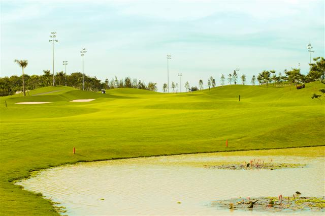 DSC 7579b Small Sân chơi golf : Twin Doves golf club