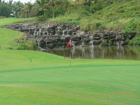 bay nuoc 1 Golf rules: Bẫy nước trong đánh golf
